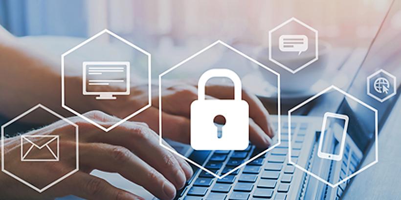 Bild von Händen, die auf einer Laptoptastatur bewegt werden und darüber verschiedene Icons rund um das Thema Datenschutz